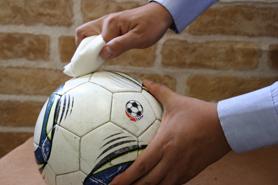 サッカーボールのクリーニングとお手入れ