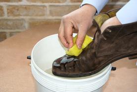 スエードシャンプーの使用法(スエード・ヌバック等の起毛皮革靴のクリーニング)