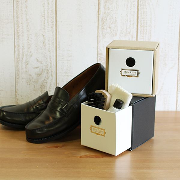 靴磨き女子部 square mono/nature